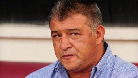 Borghi, muy caliente: Riquelme se lesiona como cualquier otro futbolista