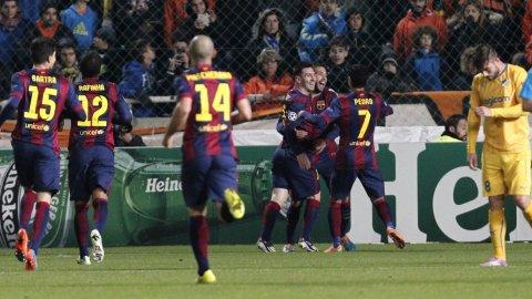 ¡Otro récord! Barcelona se impuso por un hat-trick de Messi, que superó a Raúl