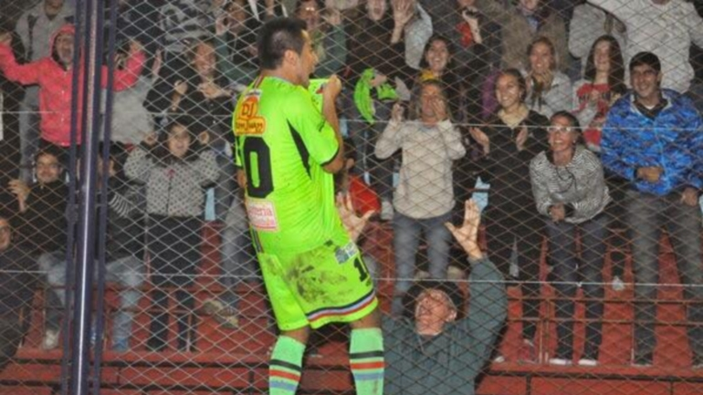 Alianza de Coronel Moldes, el humilde equipo cordobés que tiene 8 años de vida y un goleador fanático del Rojo