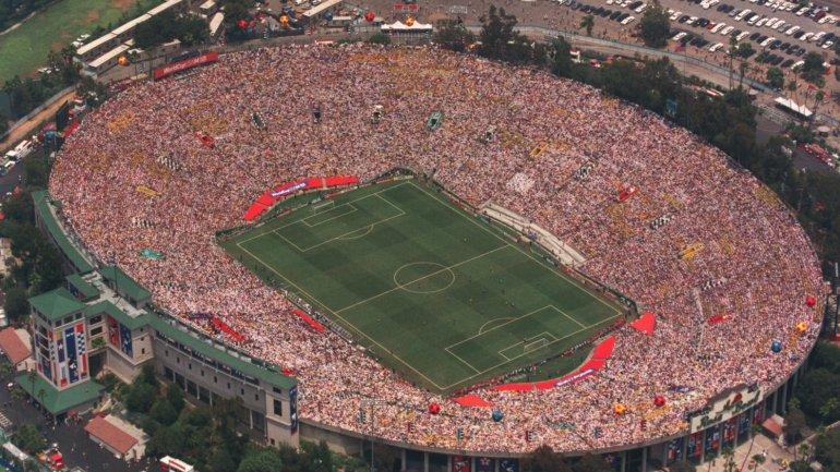 El <i>Rose Bowl</i> de Los Ángeles es el más grande: 92 mil butacas