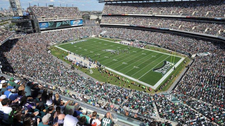69 mil espectadores, la capacidad del <i>Lincoln Financial Field</i> de Filadelfia