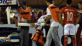 El dolor de Cristian Espinoza tras el patadón de Leonardo Ponzio