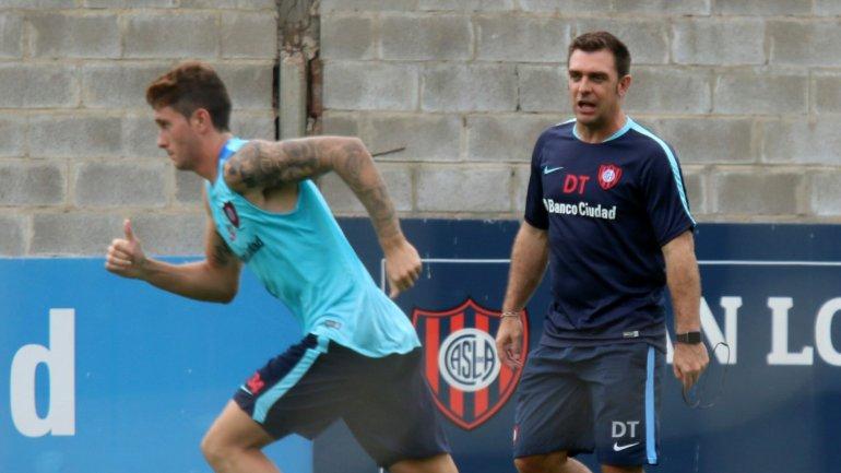 Pablo Guede no se perdió ningún detalle en San Lorenzo
