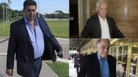 Daniel Angelici, Víctor Blanco y Alejandro Nadur, atentos a lo que decida la Conmebol