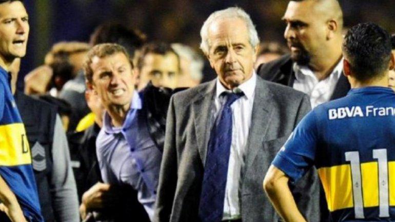 El día del escándalo, Rodolfo DOnofrio se metió en el campo de juego y el Vasco Arruabarrena intentó increparlo