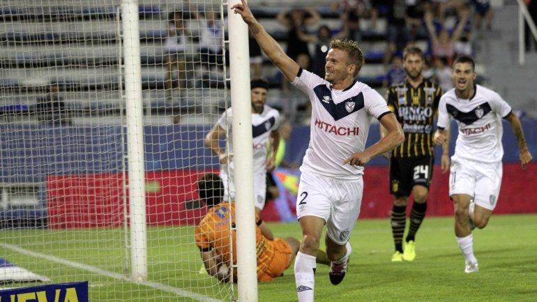 Cristian Nasuti festeja su gol ante Olimpo