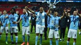 El Kun Agüero obtuvo un nuevo título ayer al vencer a Liverpool en la Copa de la Liga de Inglaterra