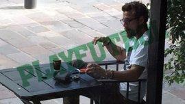Daniel Osvaldo fumando en Puerto Madero, durante su primera etapa en Boca