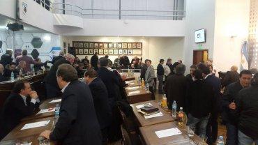 Los dirigentes siempre animan duras discusiones en el Comité Ejecutivo de la AFA