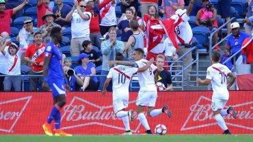 La celebración de Paolo Guerrero luego de abrir la cuenta en favor de Perú