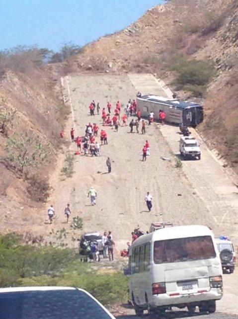 El micro de Huracán volcó en Venezuela